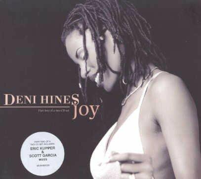 La chanteuse Deni Hines