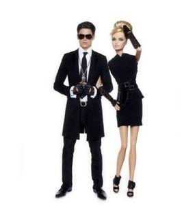 Karl_Lagerfeld_Dresses_Barbie_on_Her_50th_Anniversary_2