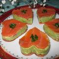 Tendres petits coeurs de saumon fumé au guacamole