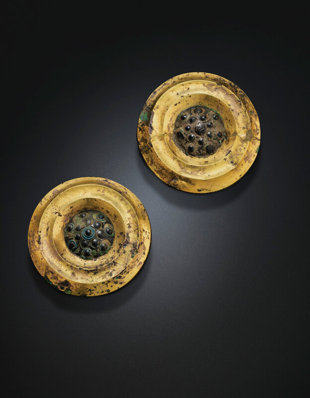 2019_NYR_18338_0520_001(a_pair_of_gold_glass_and_bronze_plaques_late_warring_states_period-han_d6220726)