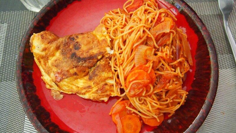omelette et nouilles sautées- lesdelicesdemeli