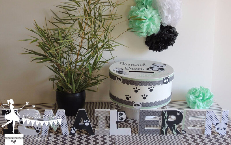 decoration bapteme theme panda noir blanc lettre prenom urne boite souvenir pompons