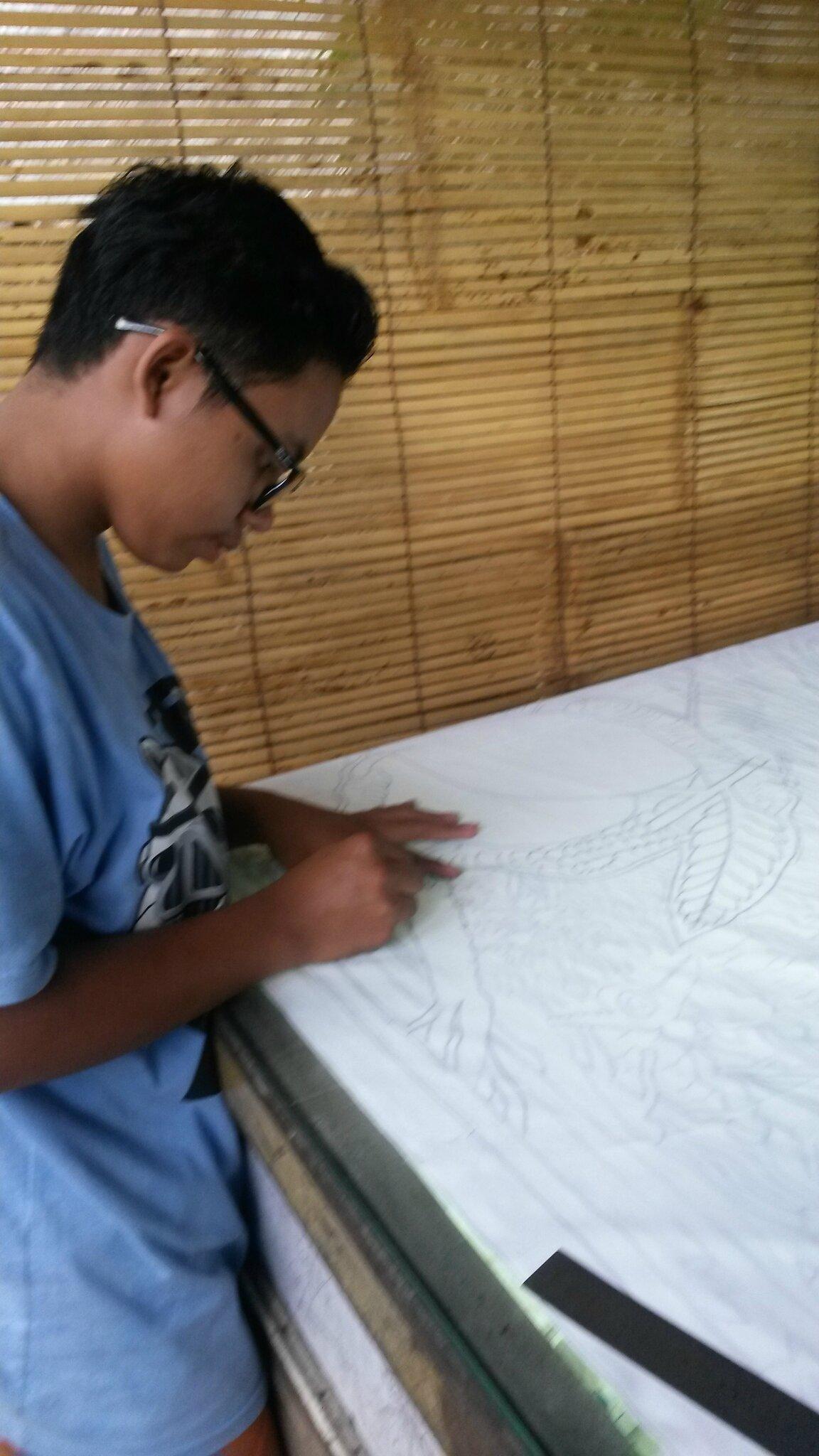 agrandissement de mon dessin .Chaque nappe est dessinée à main levée.