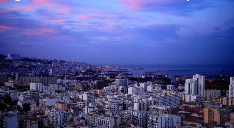Alger à l'aube