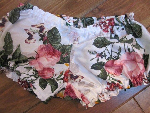 Culotte BIANCA en coton blanc imprimé rose et papillons - noeud de mousseline rose (1)