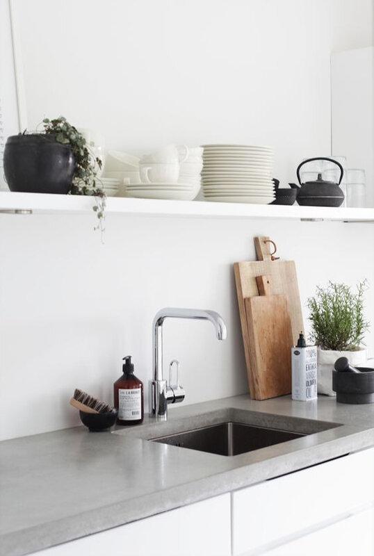 etageres dans la cuisine moderne (13)