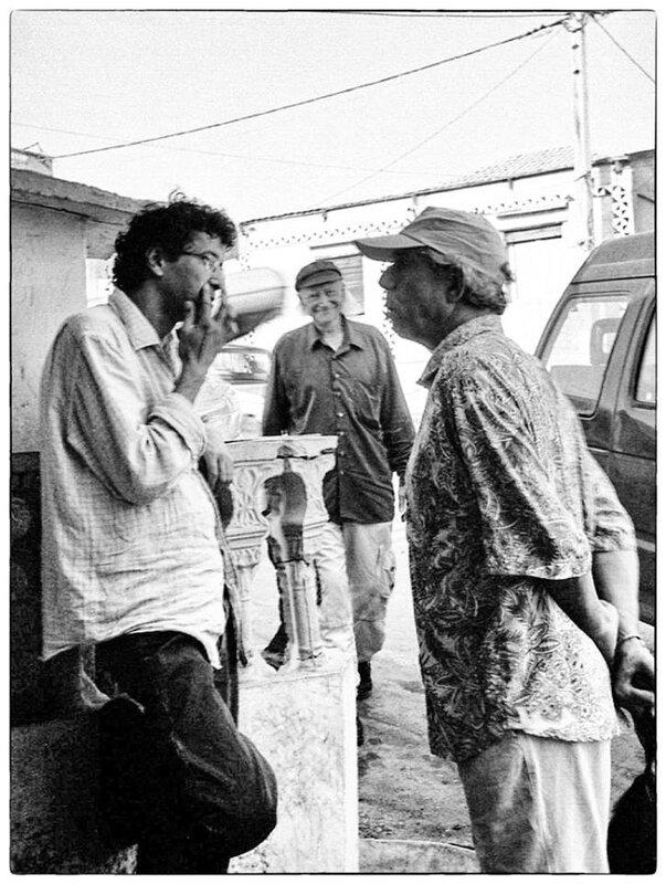 Taïeb Djazouli en compagnie de Boudjema Karech et de René Vautier à la Madrague, septembre 2004