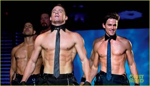 _Channing_Tatum_Shirtless_Magic_Mike_Stills_channing_tatum_28253017_1222_700