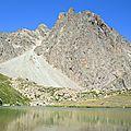Lac et refuge de Pombie, pic du Midi d'Ossau et lac