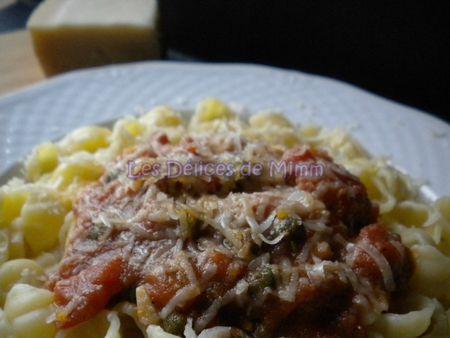 Pâtes aux tomates, anchois et câpres 2
