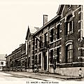 ANOR-La Mairie et l'Ecole