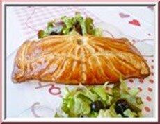 feuilleté au saumon sur lit de poireaux