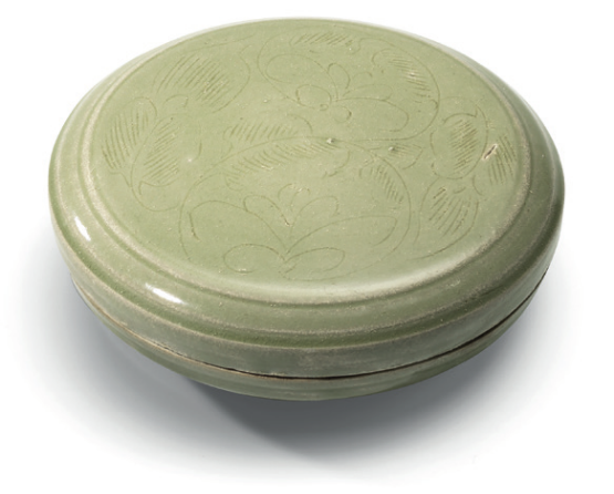A Yue celadon incised 'Floral scroll' box and cover, Five Dynasties-Northern Song dynasty (907-1127)