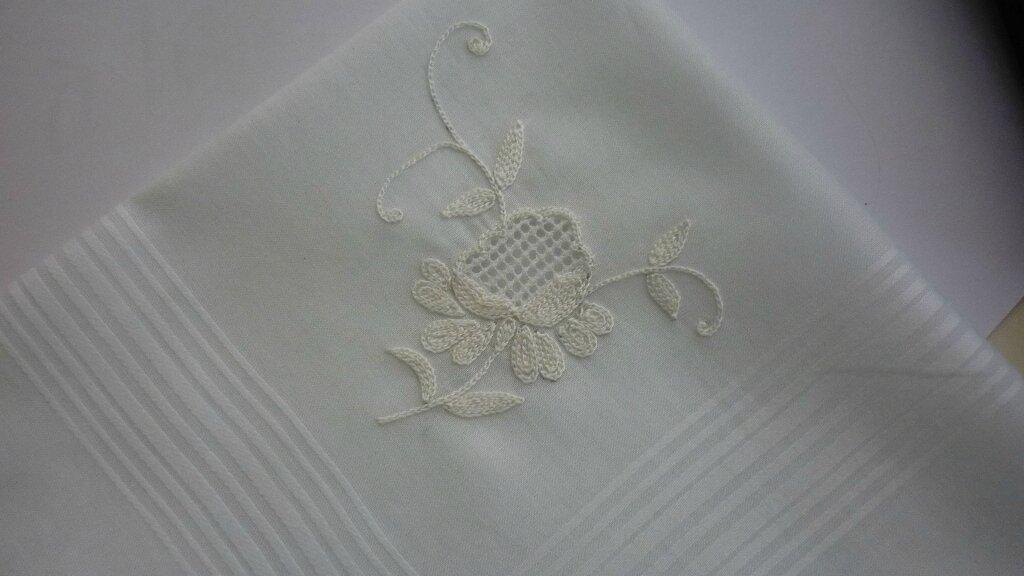 mouchoir beauvais ajouré blanc 1