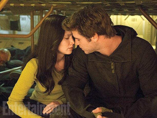 Mockingjay - Part 2 Jennifer Lawrence & Liam Hemsworth