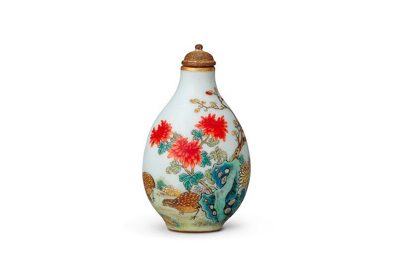 Snuff bottle with chrysanthemum and quail design (living in harmony) and Qianlong reign mark, Qing dynasty, Qianlong period, 1736–95
