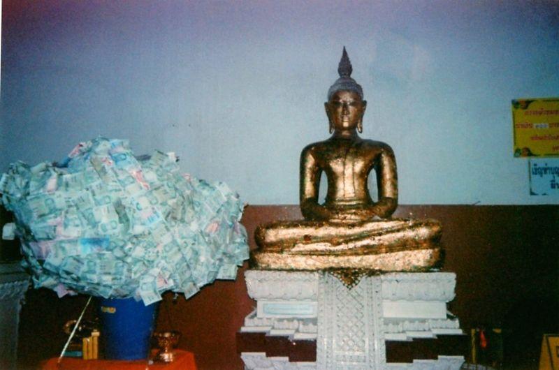 Bouddha aux billets