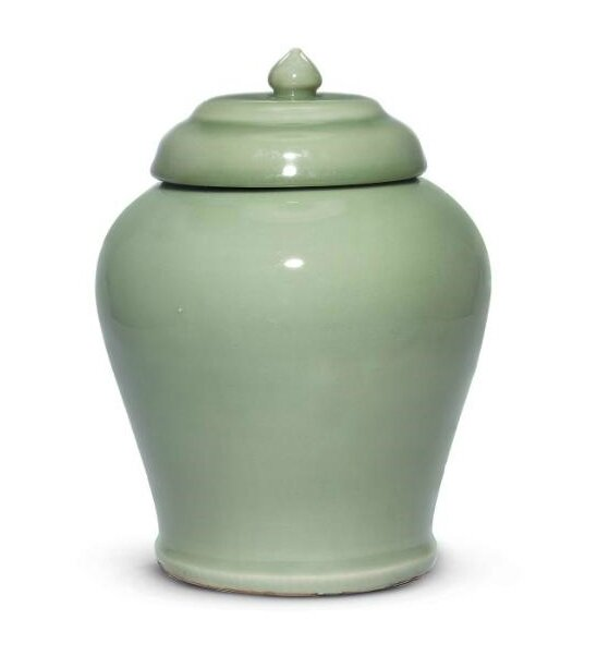 A very rare Early Ming Longquan celadon jar and cover, Yongle period (1402-1424)