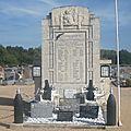 Le 11 novembre, les tombes et les monuments aux morts i