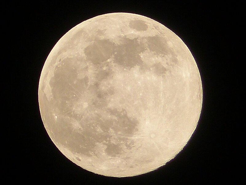 la lune du 7 avril (2)