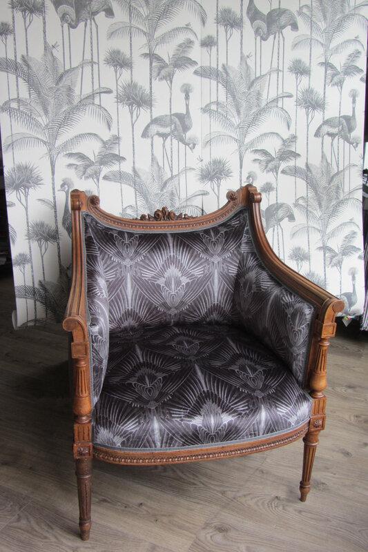 fauteuil Louis XVI retapissé