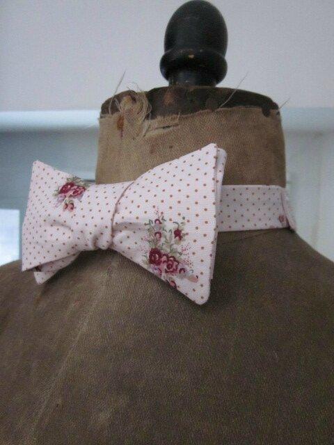 Véritable NOEUD PAPILLON en coton rose imprimé fleuri (2)