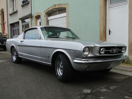 FORD Mustang 2+2 Fastback Coupe 1965 La Ronde Saulnoise 2010 1