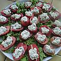 Tomates farcies crues au fomage de kéfir fermenté aux herbes