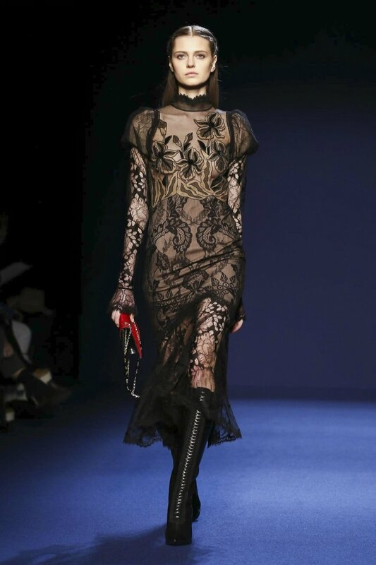Andrew-GN-Ready-To-Wear-Fall-Winter-2016-Paris-2339-1457114594-bigthumb