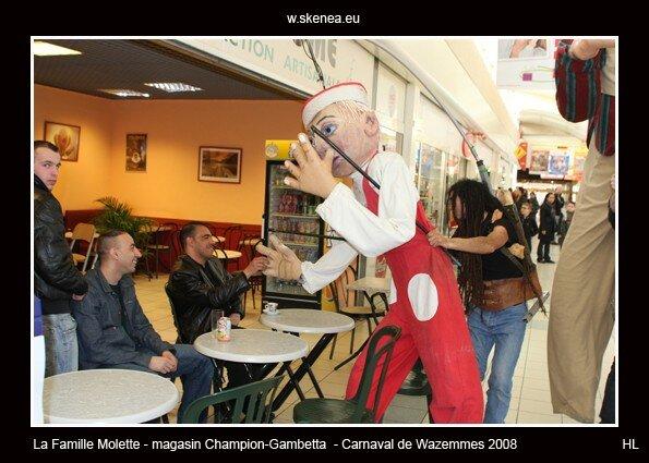 FamilleMolette-magasinChampion-Carnaval2008-112