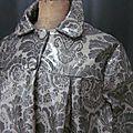 Ciré AGLAE en coton enduit gris imprimé baroque fermé par 2 pressions dissimulés sous de gros boutons recouverts (6)
