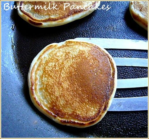 presenation buutermilk pancakes