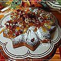 Gâteau cranberries, amandes, noix, noix de pécan, pépites de fraises