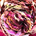 Art yarn red love - laine filée rouge amour....