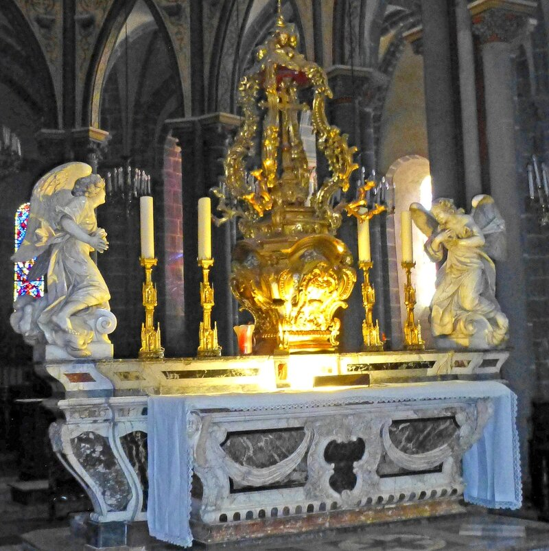 autel marbre
