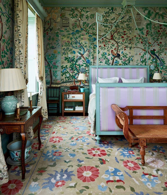 edward-bulmer-bedroom-chinoiserie-wallpaper-canopy-bed-english-country-house-interior-decoration-style-2