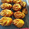 BRIOCHES FOURREES A LA CONFITURE DE PRUNES 107
