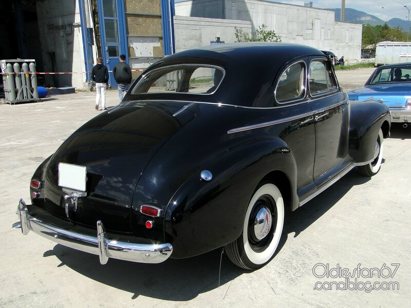 chevrolet-special-deluxe-coupe-1941-02