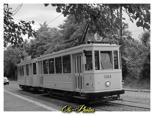 1064 : Tram