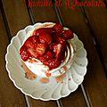 Pavlova aux fraises et vinaigre à la vanille et fruits de la passion