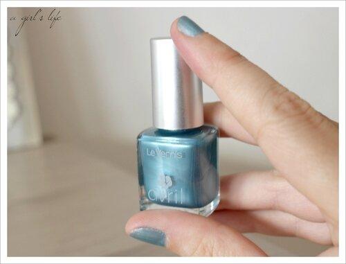 vernis Avril bleu 5