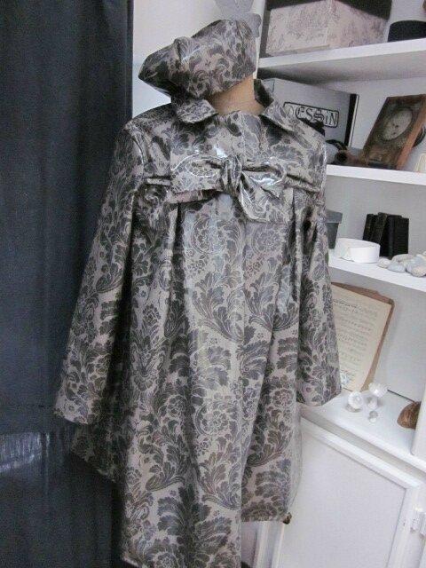 Ciré AGLAE en coton enduit baroque gris - Chapeau de pluie AGATHE en coton enduit rose malabar à pois blancs(2)