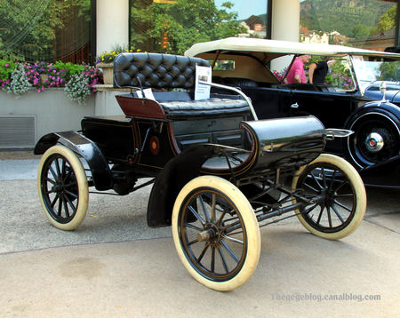 Oldsmobile_type_R_curved_dash_runabout_de_1901__34_me_Internationales_Oldtimer_meeting_de_Baden_Baden__01