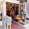 Boutiques et commerces d'hier - façades zen d'aujourd'hui