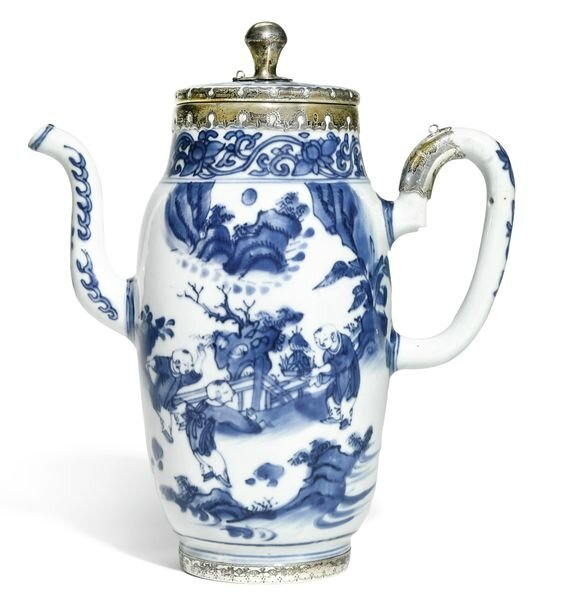 A silver-mounted blue and white coffee pot and cover, late Ming dynasty