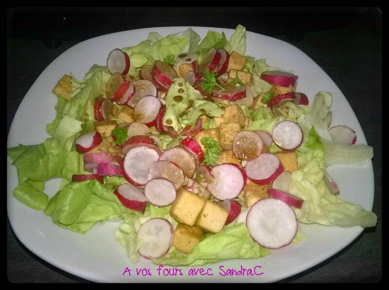 Salade croquante au tofu