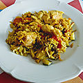 Poulet au riz jaune et aux légumes