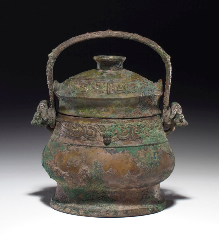 2013_NYR_02689_1129_000(a_bronze_ritual_wine_vessel_and_cover_you_early_western_zhou_dynasty_1)