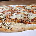 Pizza philadelphia saumon fumé mozzarella origan