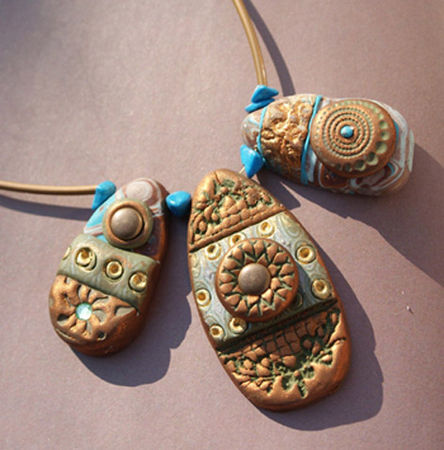 027Collier3galets